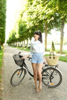 34 Fashion-Approved Ways to Look Stylish While Biking | StyleCaster