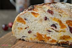 Homemade bread is something we all enjoy but often think it's hard to do. Here is a Cranberry Apricot Rustic Bread using an automatic bread maker Savoury Baking, Bread Baking, Yeast Bread, Artisan Bread Recipes, Bread Machine Recipes, Rock Crock Recipes, Chef Recipes, Soup Recipes, Recipies