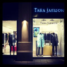 Maximilianstrasse, 38 80539 Munich #tarajarmon #store #merchandising #windowdisplay #vitrine #Germany #Allemagne