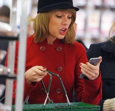 TAYLOR GOT THE iPhone 6??? I am upset because I am stuck with the 5s and she one upped me! Lol