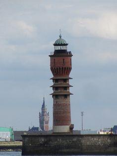 Feu de Saint-Pol (Dunkerque) jetée ouest du port de Dunkerque Nord-Pas de calais France 51.060556, 2.349167.C'est aussi le seul phare Art déco de l'Hexagone