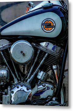 Pan Head 5851 Metal Print by Steven Ward. All metal prints are professionally printed, packaged, and shipped within 3 - 4 business days and delivered ready-to-hang on your wall. Choose from multiple sizes and mounting options. Hd Fatboy, Dyna Low Rider, Harley Davidson Art, Tourist Board, Big Rig Trucks, Road Glide, Easy Rider, Vintage Bikes, Street Bikes