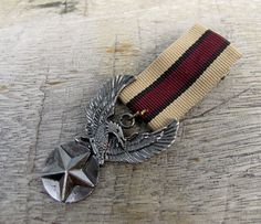 Military Brown Strip Ribbon Silver Wings Star Eagle Medal Brooch Custom Jewelry with safety pin for clothing decoration
