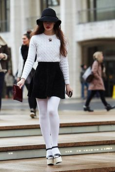 Sexy Winter Skirt Outfit Ideas (39)