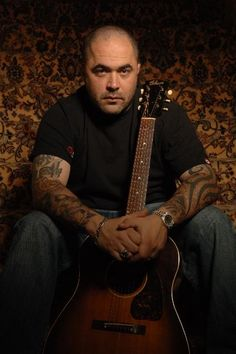 Aaron Lewis from Staind, love there music as a group