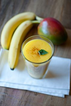 Mango Pineapple Smoothie by thedevilwearsparsley: For healthy skin! #Smoothie #Healthy #Skin