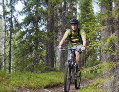 Maastopyöräilyä Pellon vaaroilla