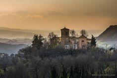 #aroundBologna Alla scoperta della città metropolitana di #Bologna: tramonto su #Mongardino, scatto di @monica_blog