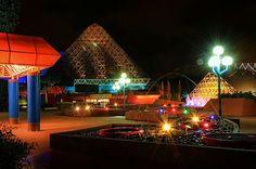 EPCOT, Imagination pavilion, night view