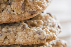 How to Make Low Calorie Chocolate Chip Oatmeal Cookies