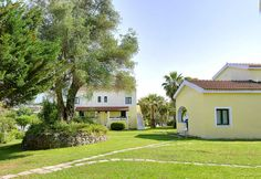 Holiday Apartment in Gouvia Corfu Holiday Apartments, Gardens, Mansions, House Styles, Home Decor, Decoration Home, Manor Houses, Room Decor, Outdoor Gardens