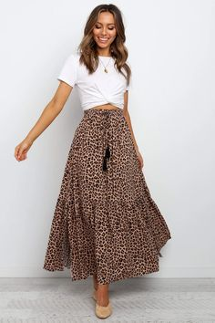 Long Skirt Outfits For Summer, Maxi Skirt Outfits, Spring Outfits, Maxi Skirt Outfit Summer, Long Skirts For Women, Long Denim Skirt Outfit, Casual Jeans Outfit Summer, Church Outfit Summer, Printed Skirt Outfit