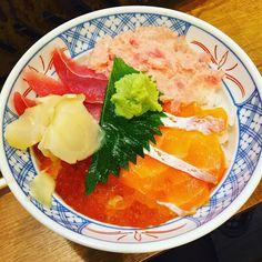 Salmon, crab, tuna, and salmon roe rice bowl #food #foodie #instafood #foodies #foodporn #foodstagram #foodgasm #yum #yummy #yumyum #tasty #delicious #delish #goodeats #seafood #instadaily #dinner #japan #japanesefood #eat #eeeeeats #hungry #美味しい #食 #海鮮丼#海鮮 #fish #onthetable