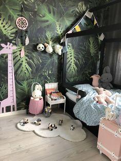 Boys Bedroom Paint, Boys Bedroom Themes, Bedroom Ideas For Small Rooms Diy, Childrens Bedroom Furniture, Baby Bedroom, Jungle Theme Rooms, Giraffe Room, Safari Bedroom, Baby Kind