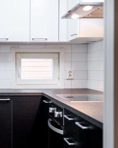 Mustavalkoinen keittiö on moderni mutta ajaton. #designtalo #sisustus #keittiö Kitchen Cabinets, Home Decor, Decoration Home, Room Decor, Cabinets, Home Interior Design, Dressers, Home Decoration, Kitchen Cupboards