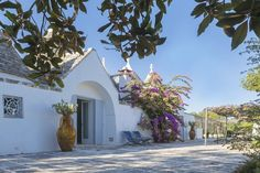 Trullo Fumarola has large glazed doors to let in lots of light.
