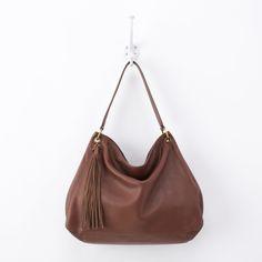Linden shoulder bag in brandy. #hobobags