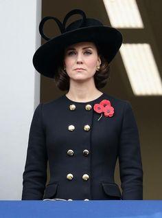 Cabelo Kate Middleton, Moda Kate Middleton, Style Kate Middleton, Kate Middleton Photos, Estilo Real, Duchesse Kate, Alexander Mcqueen, Cute Winter Coats, Style Royal