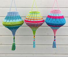 Crochet Home Decor, Crochet Art, Love Crochet, Crochet Crafts, Crochet Hooks, Crochet Projects, Crochet Dreamcatcher Pattern, Crochet Lampshade, Crochet Furniture