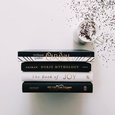 """Gefällt 237 Mal, 17 Kommentare - Okay So Booksically (@okaysobooksically) auf Instagram: """"Inspired by the beautiful cover of Caraval by @stephanie_garber which I received in the February…"""""""