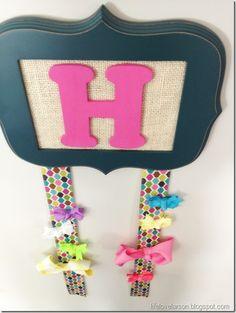 DIY: Bow Hanger
