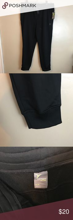 NWT Men's Old Navy Active Joggers Black Size XL Brand new with tags. Smoke free, pet friendly home. Old Navy Pants Sweatpants & Joggers