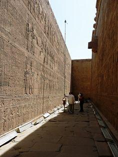 Edfu temple of Horus - Temple d'Horus à Edfou