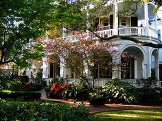 I love southern homes!