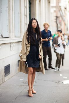 Swap out your heavy winter coat for a trench this spring. // #streetstyle #fashion photo via: Stockholm Street Style
