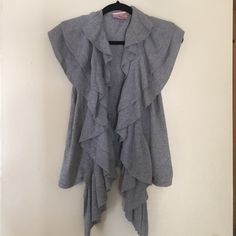 Beautiful cardigan Adorable and great condition Romeo & Juliet Couture Sweaters Cardigans