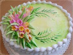 Dort krémový * narozeninový - zdobený hezkou kyticí.