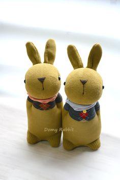 Grace -- sock bunny Domy Rabbits   #handmade #craft #sockdoll #DIY Sock Bunny, Sock Dolls, Sock Animals, My Socks, Rabbits, Teddy Bear, Patterns, Toys, Crafts