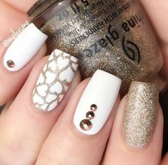 gold-nail-36 - 45 Gold Nails You Wish to Try <3 <3