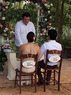 Mr. & Mrs., arco de flores, vintage wedding, boda civil