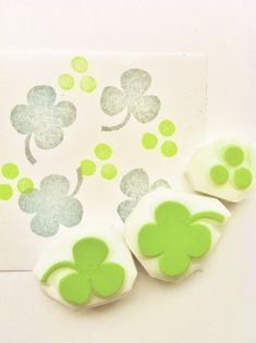 hand carved rubber stamps by talktothesun. set of 2 clover leaf stamps and 1 polka dot stamp. woodland & botanical plant stamp series for spring and summer crafts. Clay Stamps, Ink Stamps, Make Your Own Stamp, Eraser Stamp, Stamp Carving, Fabric Stamping, Handmade Stamps, Baby Shower, Tampons
