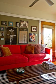 This red sofa makes me happy | Making that red sofa work ...