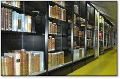 Etagères du fonds Itard, bibliothèque de Mathématiques