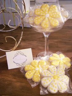 Daisies & Polka Dots Bridal Shower Party - Kara's Party Ideas - The Place for All Things Party