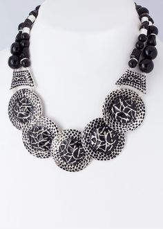 https://www.krisandkate.com/dealoftheday.html #Deal of the day necklace #Necklace in black and white $24