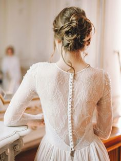 Lace long sleeve wedding dress with tiered skirt and crystal embroidery, Lace lengthy sleeve marriage ceremony gown with tiered skirt and crystal embroidery Lace lengthy sleeve marriage ceremony gown with tiered skirt and c. Open Back Wedding Dress, Long Sleeve Wedding, Wedding Dress Sleeves, Dream Wedding Dresses, Wedding Gowns, Modest Wedding, Wedding Hair, Crystal Embroidery, Embroidery Dress