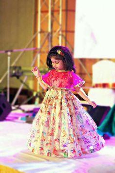 Kids Lehenga Choli Designs For Weddings In 2019 – FashionEven Kids Party Wear Dresses, Dresses Kids Girl, Kids Dress Wear, Designer Dresses For Kids, Girls Frock Design, Baby Dress Design, Kids Lehanga Design, Kids Indian Wear, Kids Ethnic Wear