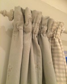 Pretty Cow Parsley curtains in the bedroom Cottage Curtains, Dining Room Curtains, Country Curtains, Cottage Bedrooms, Drapes And Blinds, Beige Curtains, Drapes Curtains, Lounge Curtains, Short Curtains