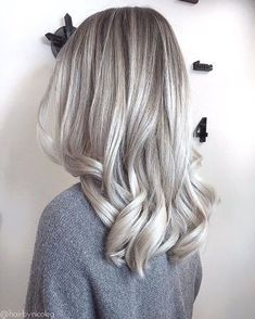 Can we just talk about how #hairgoals this is? @hairbynicoleg creates this look using IGORA VARIO and PROTECTS with the INTEGRATED BONDING TECHNOLOGY. Want to know her secret? Check the comments below! #IGORA #blonde #blondegirl #silverhair #forgingbondscontest #balayage #babylights