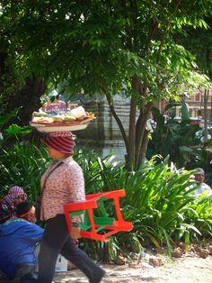 vômito público : a relativa doçura de depender dos turistas