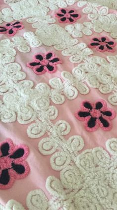 Beautiful Vintage Pink / White / Black Chenille Bedspread