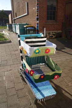 Yarnbomb shopping cart