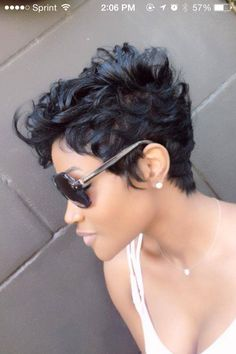 If I cut my hair this short again I want it like this I may even i want to cut and style hair - Hair Cutting Style Cute Hairstyles For Short Hair, Short Curly Hair, Short Hair Cuts, Curly Hair Styles, Natural Hair Styles, Haircut Short, Hairstyles 2016, Curly Pixie, Short Wavy