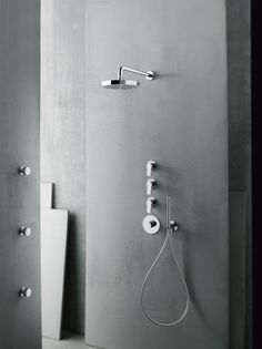 Piero Lissoni's AL/23, part of Fantini's Aboutwater Collection, is clean, simple and elegant, fitting naturally into all environments.