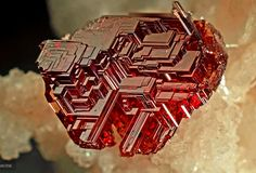 Crystal habit: Rhombic dodecahedron or cubic Mohs scale hardness: 6.5–7.5 Luster:  vitreous to resinous Streak: White Crystal ...