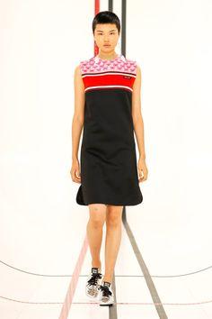 Miu Miu Prêt-À-Porter Printemps-Été 2021 - Défilés | Vogue Paris Fashion Week, Runway Fashion, High Fashion, Fashion Beauty, Luxury Fashion, Fashion Trends, Paris Fashion, Miu Miu, Fashion Show Collection